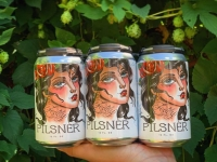 Teddy Loves Pilsner Beer Can label