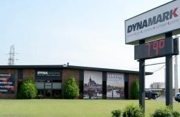 5 Reasons Why Outdoor Signs Are the Best Way to Advertise Your Business
